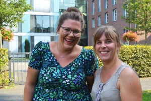 Sara Urselmans und Steffi Forster sind füreinander da und beraten sich auch gegenseitig bei Fragen rund um ihre Betreuten.