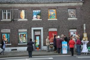 Kunstaktion auf einem Bürgerspaziergang in Grefrath