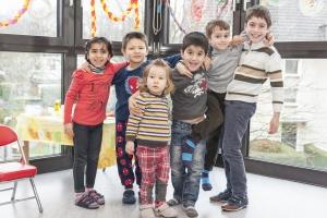 Gruppe von Flüchtlingskindern