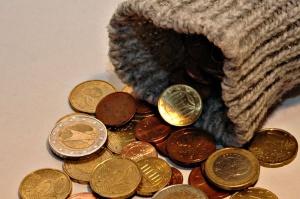 Sparstrumpf mit Kleingeld