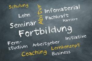 Tafel mit Begriffen zur Weiterbildung