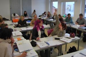 Klassenraum mit Pflegeschülern