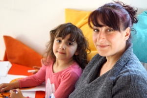 Mutter mit fünfjähriger Tochter