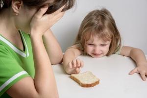 Verzweifelung: Besonders Alleinerziehende sind armutsgefährdet. (Foto: Shutterstock)
