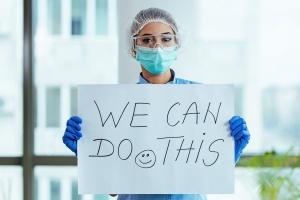 Das Interesse für den Pflegeberuf ist da. Jetzt muss sich auch das Bild von Pflege in unserer Gesellschaft ändern. (Foto: Shutterstock)