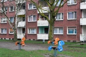 Hinterhof im sozialen Brennpunkt