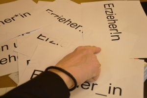 Ein Wort, zig unterschiedliche Schreibweisen. Wer gendersensibel schreiben möchte, sollte sich für eine der Varianten entscheiden.