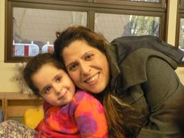 Fadia Eilas mit Tochter Sara in der evangelischen Kita Martin-Luther in Hamm