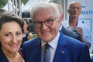 Diakonie RWL-Referentin Ioanna Zacharaki mit Bundespräsident Steinmeier