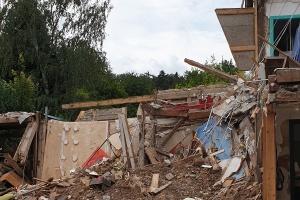 Immense Zerstörung: Das Haus einer Einwohnerin in Gemünd wurde komplett zerstört und ist einsturzgefährdet. (Foto: Siemens-Weibring)