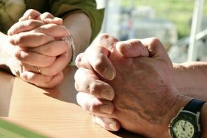 Betende Hände (Foto: pixabay,de)