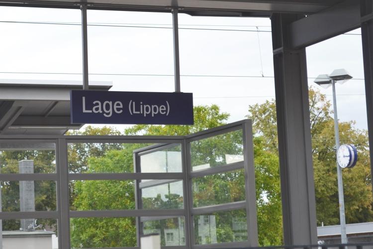 Der Bahnhof in Lage ist zwar klein, ist aber ein wichtiger Knotenpunkt in der Region.