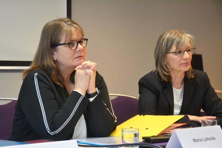 Vorstand Sozialpolitik der Diakonie Deutschland Maria Loheide und Brot-für-die-Welt- Pressesprecherin Renate Vacker.