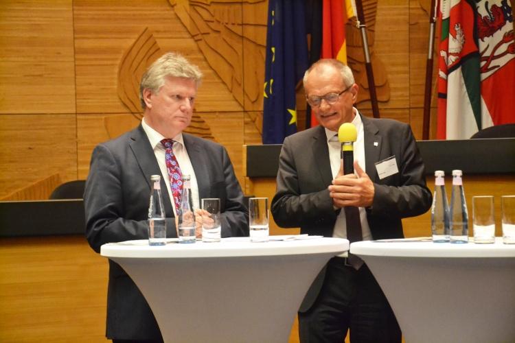 SPD-MdL Rüdiger Weiß (links) und Diakoniepräsident Ulrich Lilie.