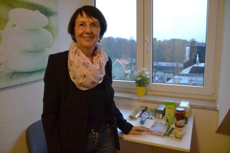 Duschgel, Tee und Knäckebrot: Viele Frauen kommen nur mit dem Allernötigsten. Karin Hester zeigt die Grundausstattung in den Zimmern.