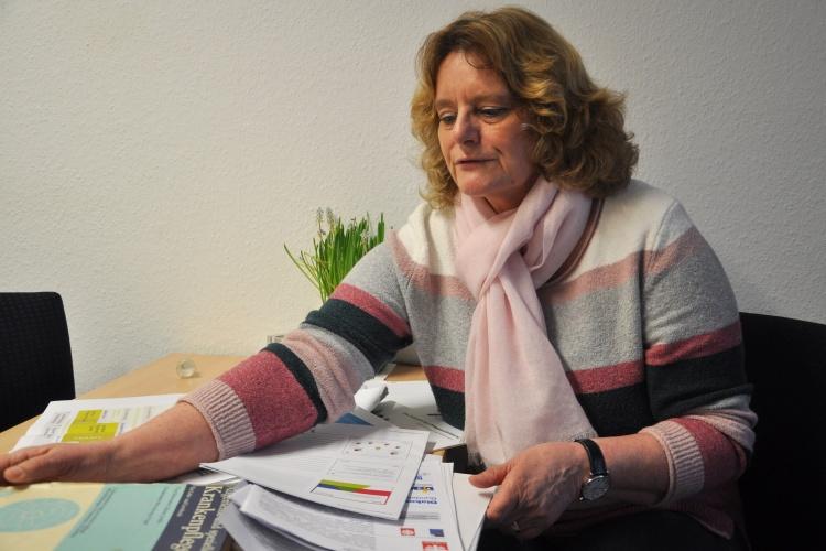 Diakonie RWL-Pflegeexpertin Heidemarie Rotschopf in ihrem Büro