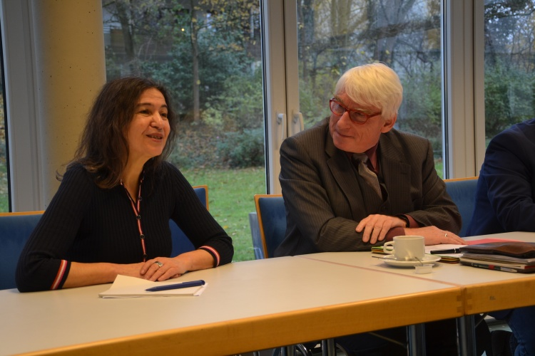 Referentin Antonia Annoussi und Diakonie-RWL-Vorstand Thomas Oelkers.