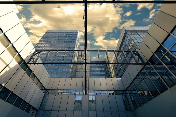 Das Stadthaus aus Glas in Bonn (Foto: pixabay)