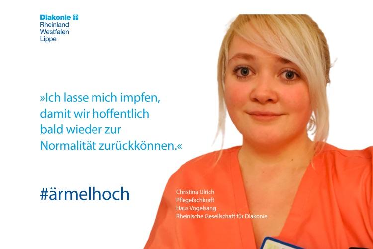 Christina Ulrich, Pflegefachkraft im Haus Vogelsang der Rheinischen Gesellschaft für Diakonie, lässt sich impfen (Foto: Diakonie RWL)