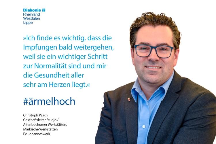 Christoph Pasch,Werkstättenleiter des Evangelischen Johanneswerks, mit einem Impfstatement (Foto: Evangelisches Johanneswerk)