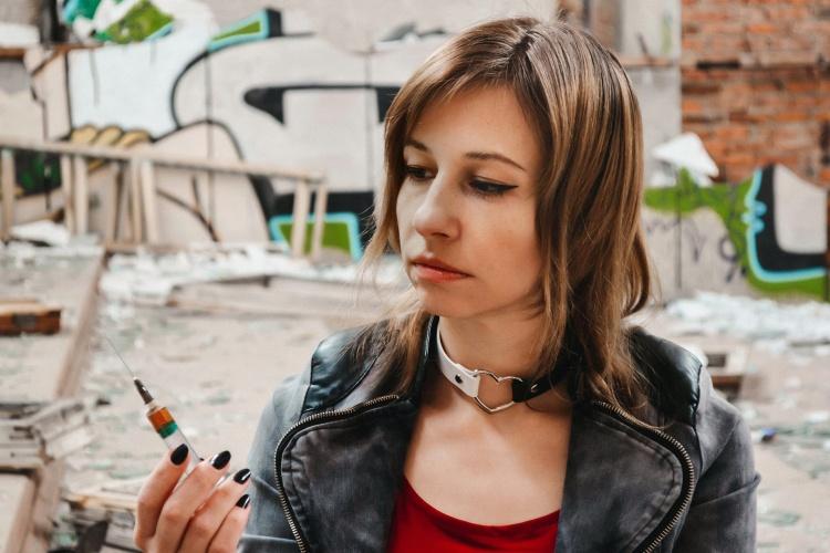 Den Ausstieg schaffen: Heroinabhängige erhalten in der Ambulanz Methadon als Substitut. (Foto: Pixabay)