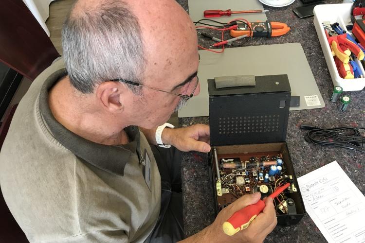 Werkzeugkasten im Repaircafe