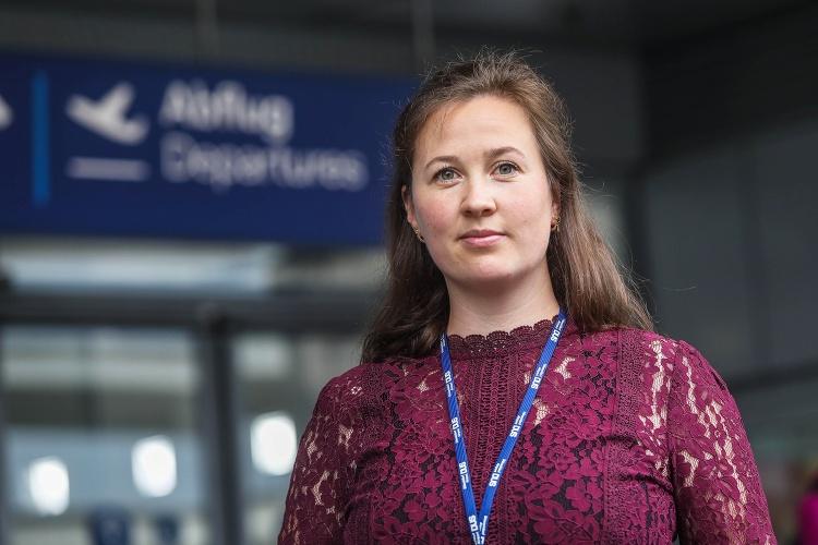 Elena Vorlaender arbeitet als Abschiebungsbeobachterin bei der Diakonie RWL