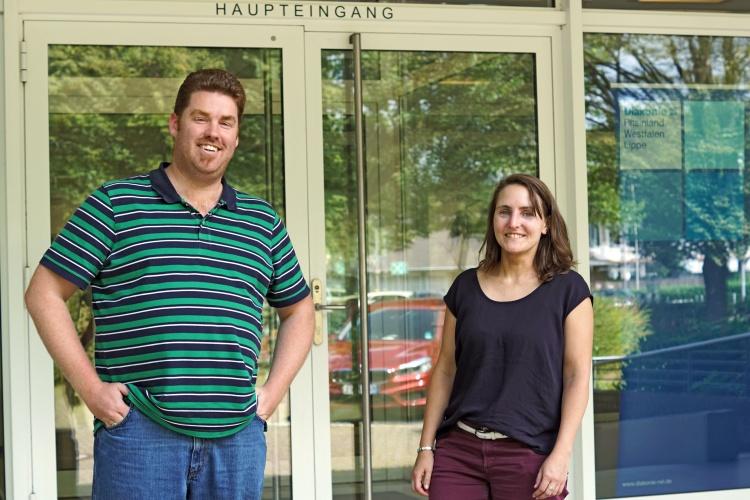 Mathias Schmitten und Regina Kluck freuen sich über mehr junge Leute bei den Freiwilligendiensten der Diakonie RWL