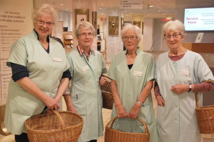 Im Einsatz für die Patientinnen und Patienten im Evangelischen Krankenhaus in Mettmann: Christine Heddrich (von links), Ilse Kleine-Doepke, Marlis Meinhard und Luise Kliss.