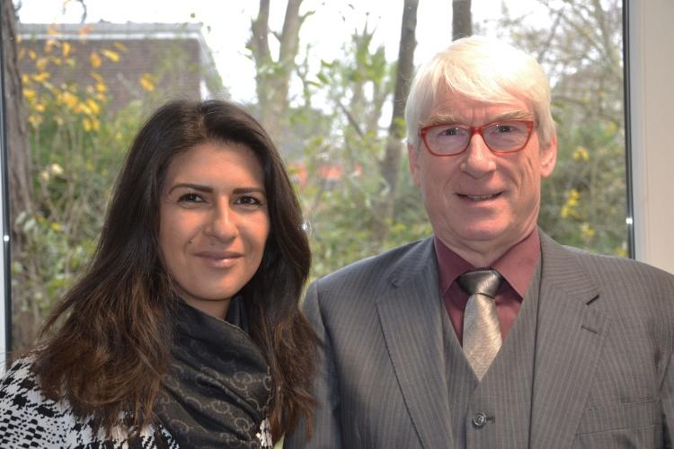 Staatssekretärin Serap Güler mit Diakonie-RWL-Vorstand Thomas Oelkers.