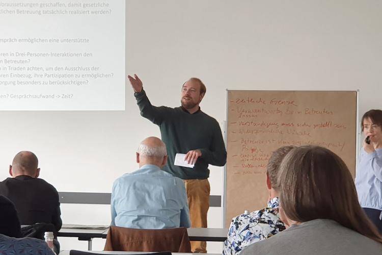 Zeit für Fragen: Alexander Engel hat die Jahrestagung der Betreuungsvereine organisiert.