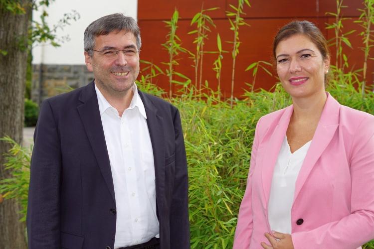 Josef Rosenbauer und Jessica Llerandi Pulido leiten ein Evangelisches Krankenhaus.