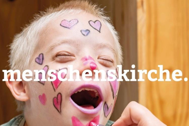 Geschminkter Junge mit Downsyndrom - Menschenskinder-Kampagne der Diakonie Dinslaken (Foto:mimpki / Adobe Stock)