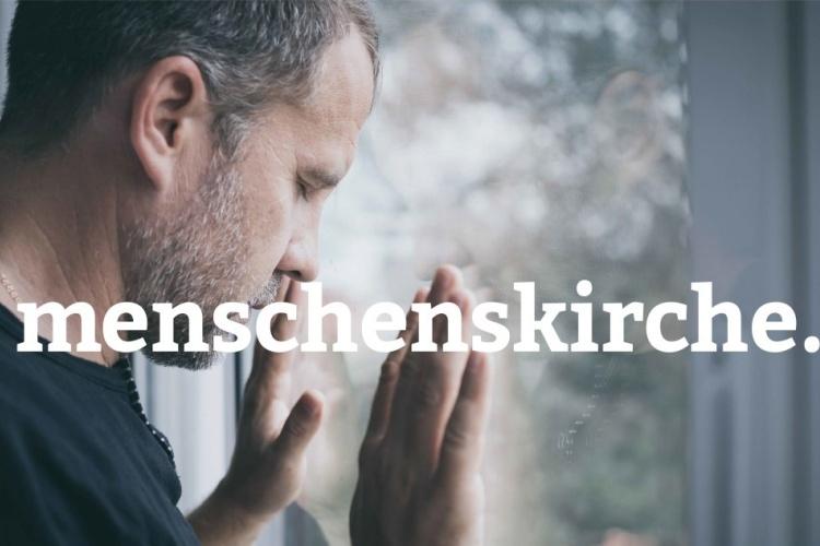 Einsamer Mann am Fenster - Menschenskirche-Kampagne der Diakonie Dinslaken (Foto: Photocase)