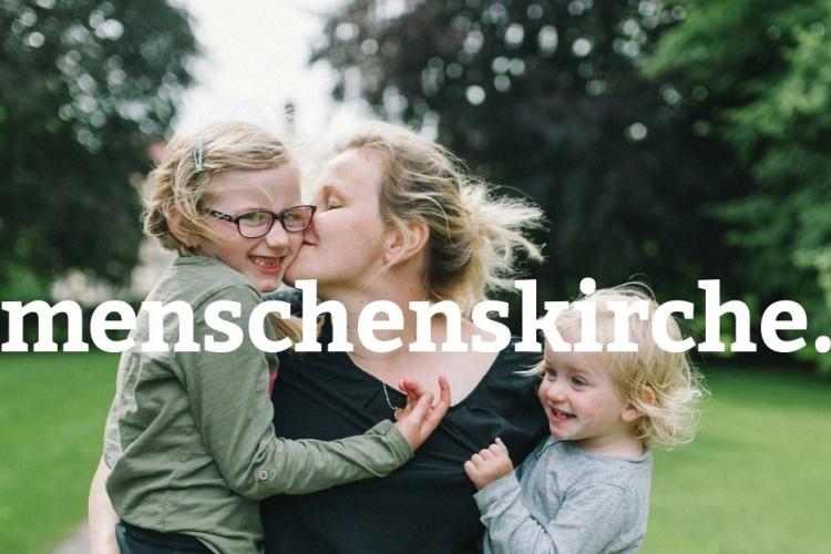 Mutter mit zwei Kindern - Menschenskirche-Kampagne der Diakonie Dinslaken (Foto: vanda lay / photocase.de)