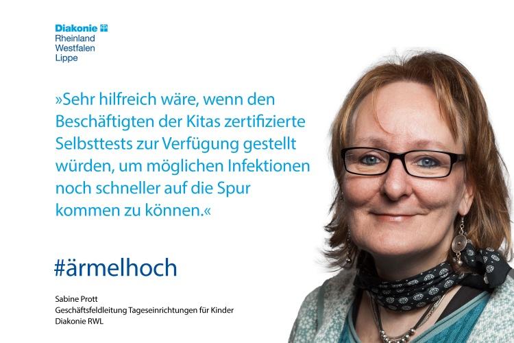 Sabine Prott, Leitern des Diakonie RWL-Geschäftsfeldes Kitas, mit einem Impfstatement (Foto: Herbst/Diakonie RWL)