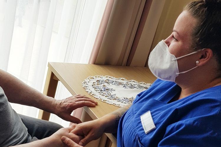 Ricarda Kattwinkel ist Altenpflegerin im Altenzentrum Cronenberg der Diakonischen Altenhilfe Wuppertal