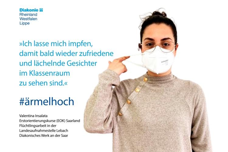 Valentina Insalata gibt Erstorientierungskurse in der Landesaufnahmestelle Lebach im Saarland