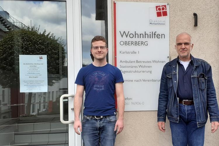 """Wilfried Fenner und Morten Kochhäuser von den """"Wohnhilfen Oberberg"""" der Diakonie Michaelshoven"""